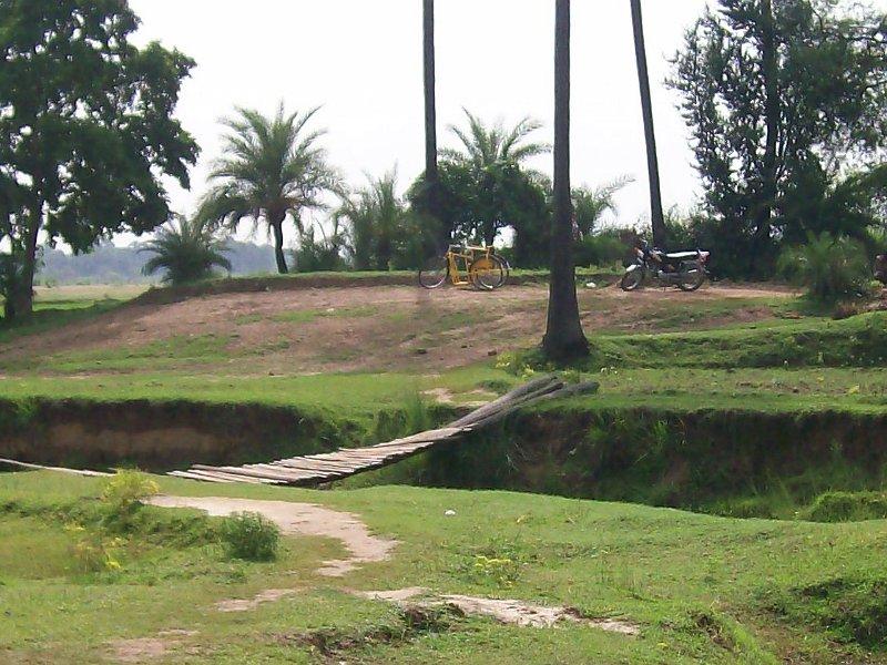 Raju's motorcycle and Sujata bridge