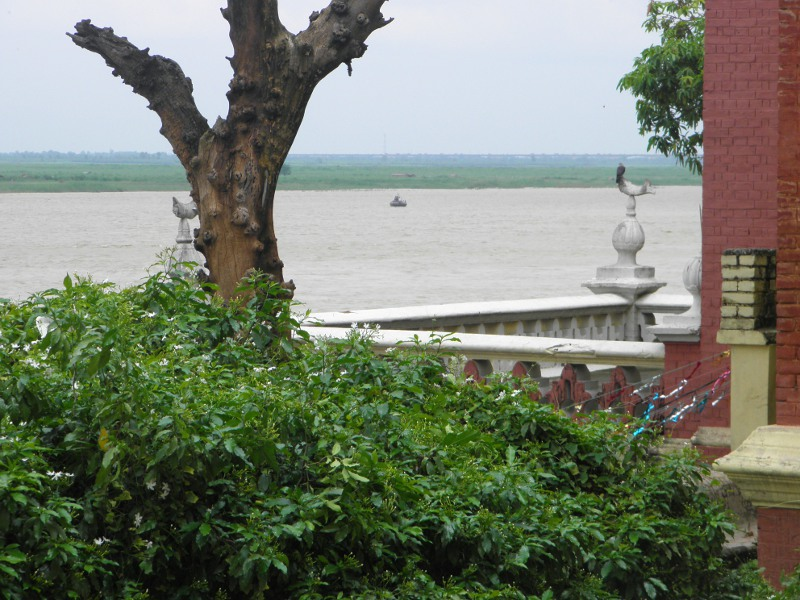 and in my story, I describe someone looking across the Ganges at Patna and describing it as